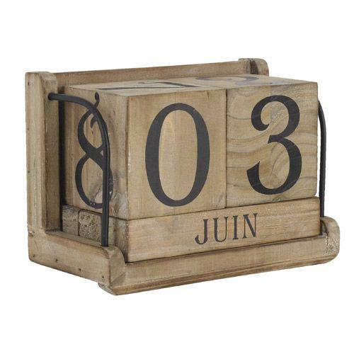 calendrier perp tuel cube en bois athezza 16 sur gifts nos 100. Black Bedroom Furniture Sets. Home Design Ideas
