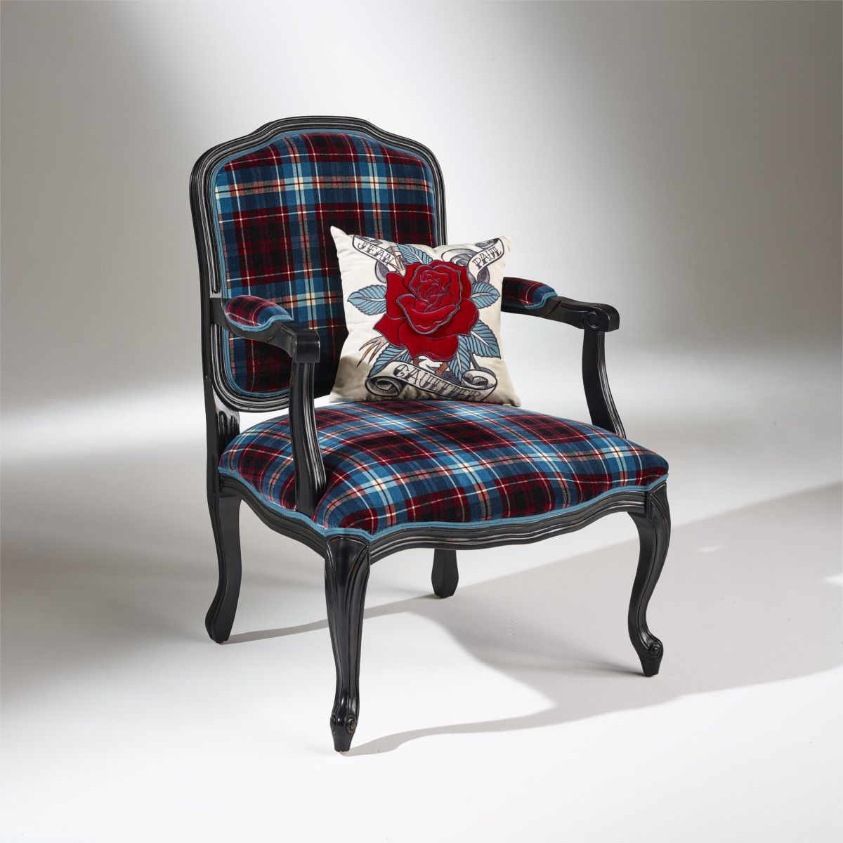 un fauteuil tr s chic rev tu d 39 un tissu cossais en velours de coton sign jean paul gaultier. Black Bedroom Furniture Sets. Home Design Ideas