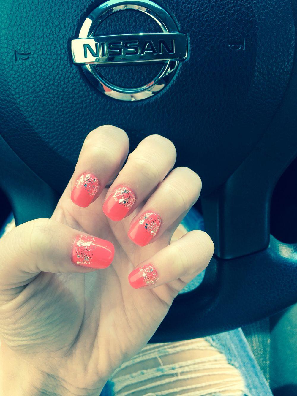 Coral summer nails