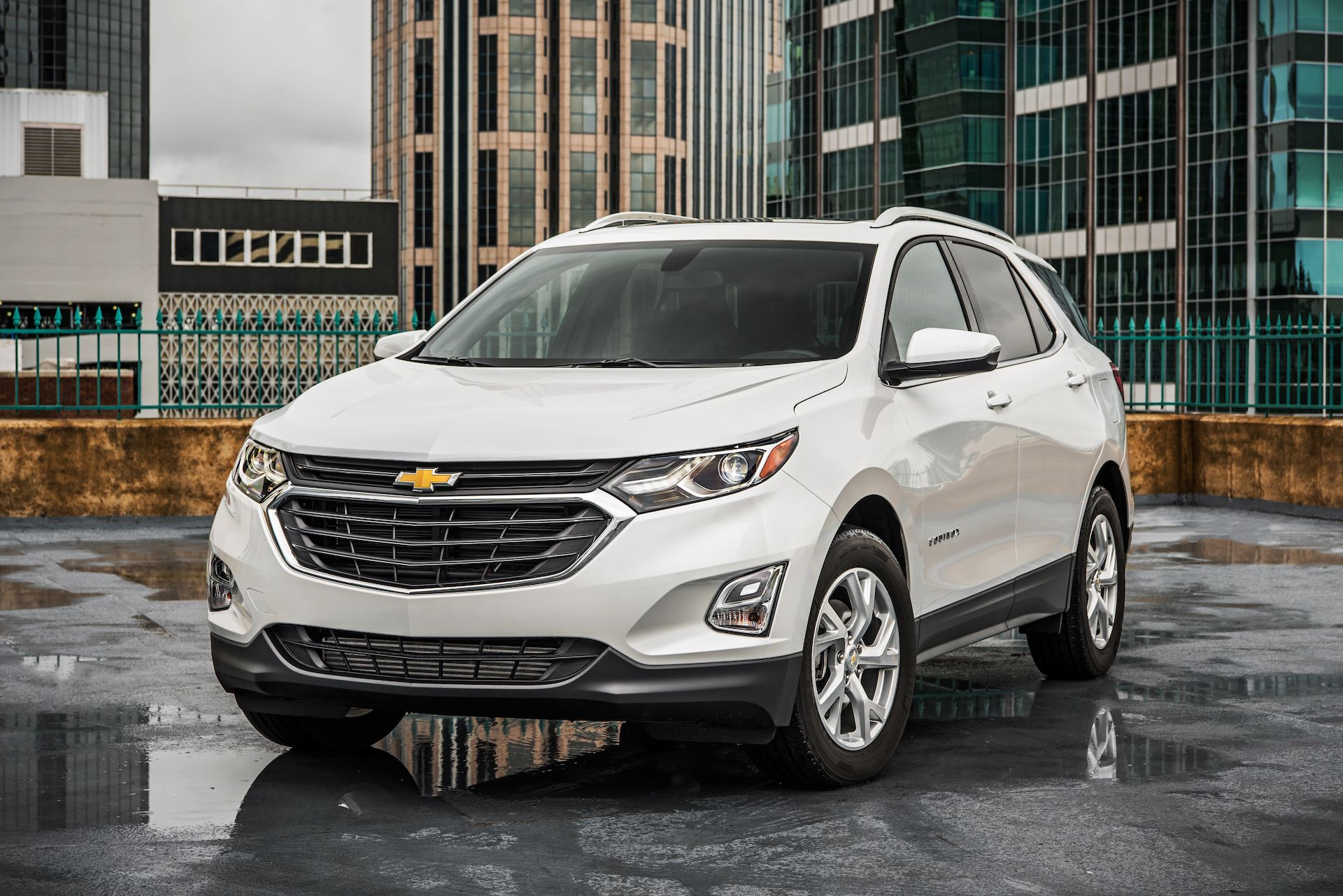 The 2018 Chevrolet Equinox Chevy Review Ratings Specs Prices And Photos The Car Connection Chevy Equinox 2018 Chevy Equinox Chevrolet Equinox