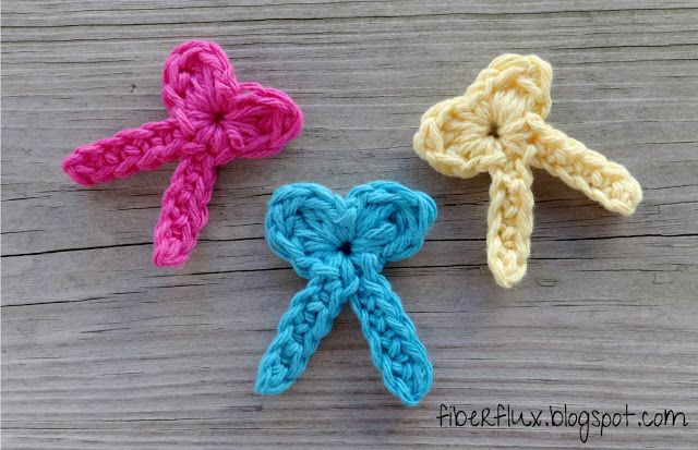 Fiber Flux: Free Crochet Pattern...One Round Bows!