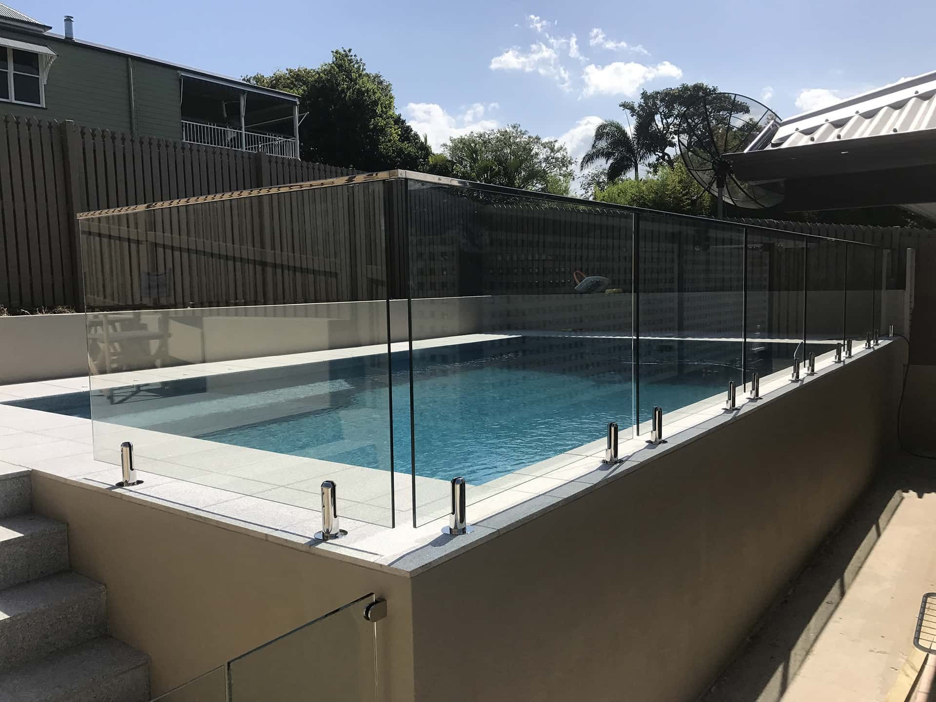 Image Result For Can I Put A Glass Fence On Edge Of Pool Glass Pool Fencing Pool Fence Pool House Interiors