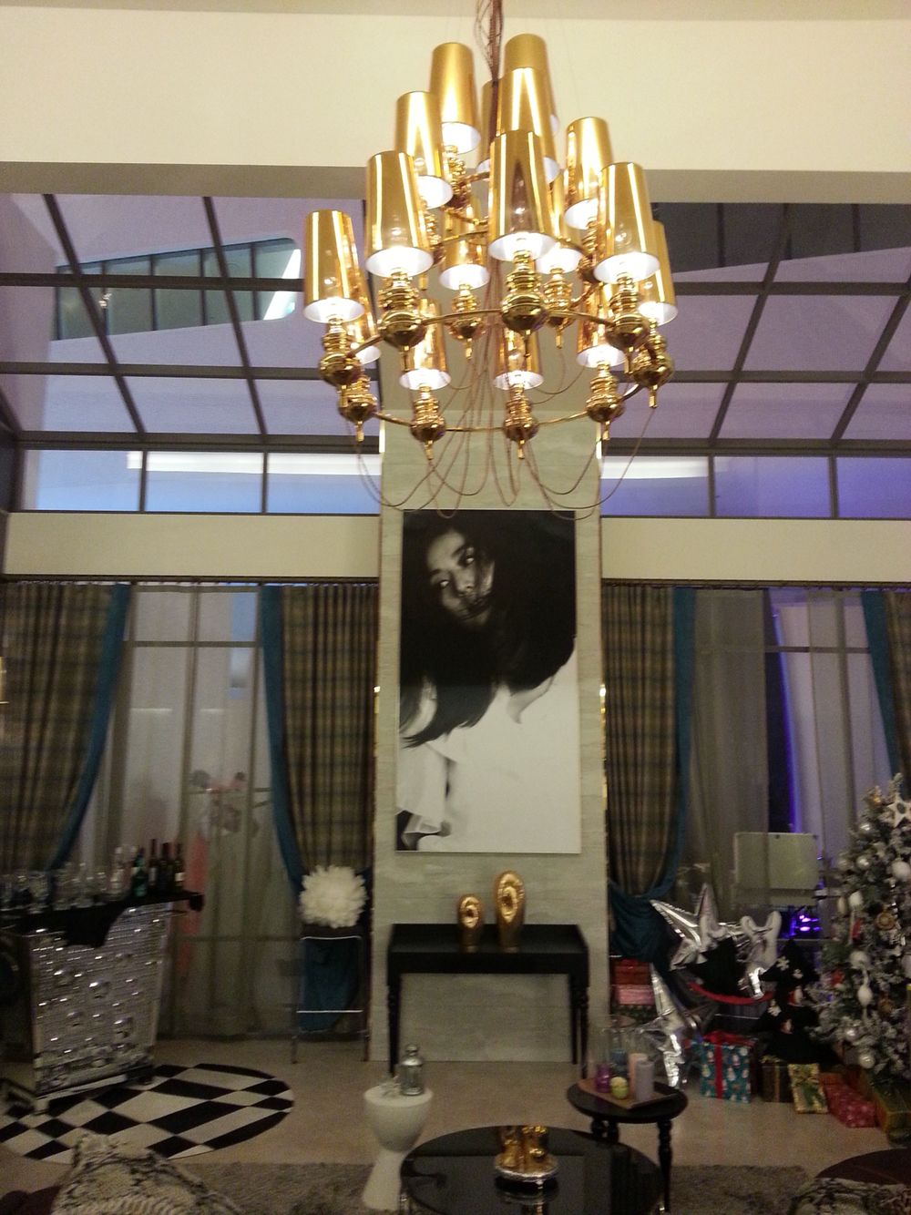 Gold ceiling light @ cheon song yi ywcfts home #opulence