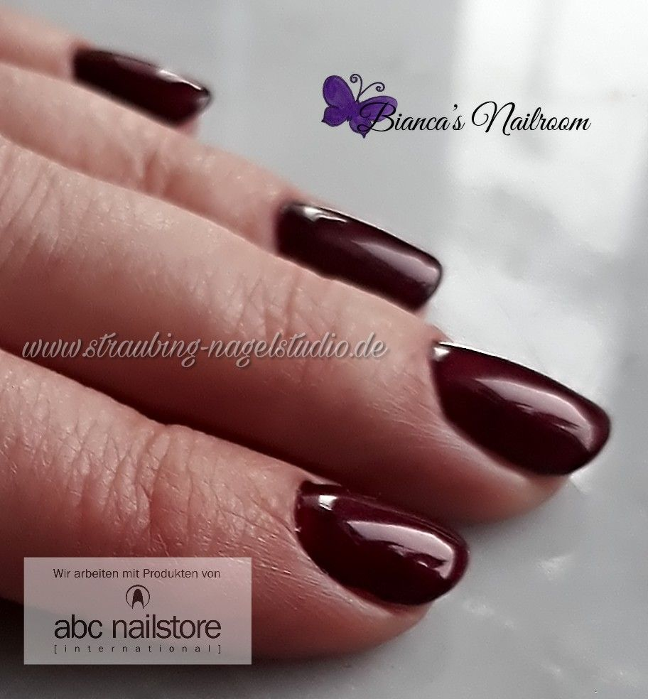 Lady In Red Gelnails Nagelstudio Abc Nailstore Und Gelnails