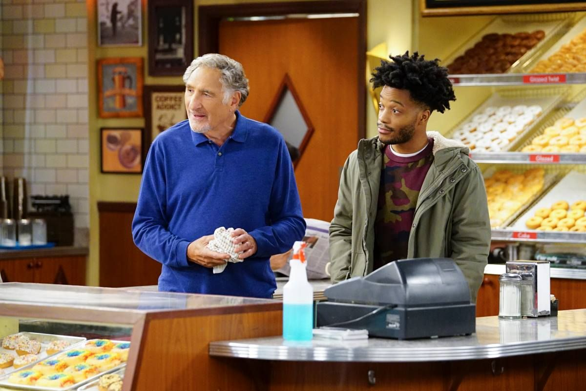 These Are The Tv Shows That Have Been Canceled In The Past Year Tv Shows Favorite Tv Shows Superior Donuts