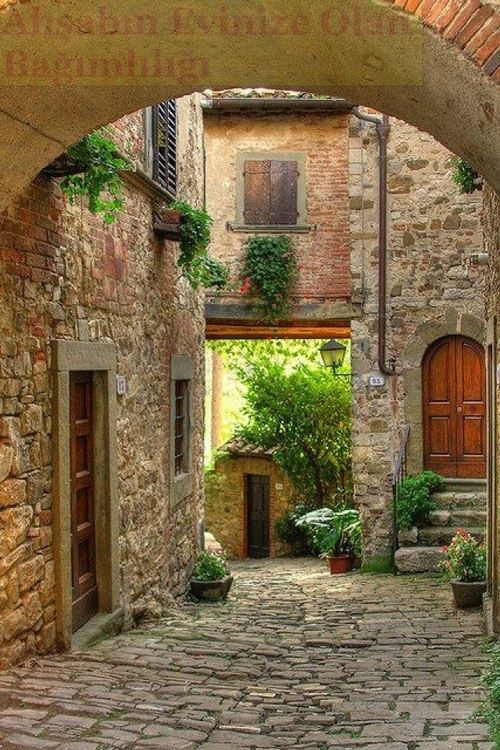 TUSCANY, ITALY should be on everyone's Bucket List! This
