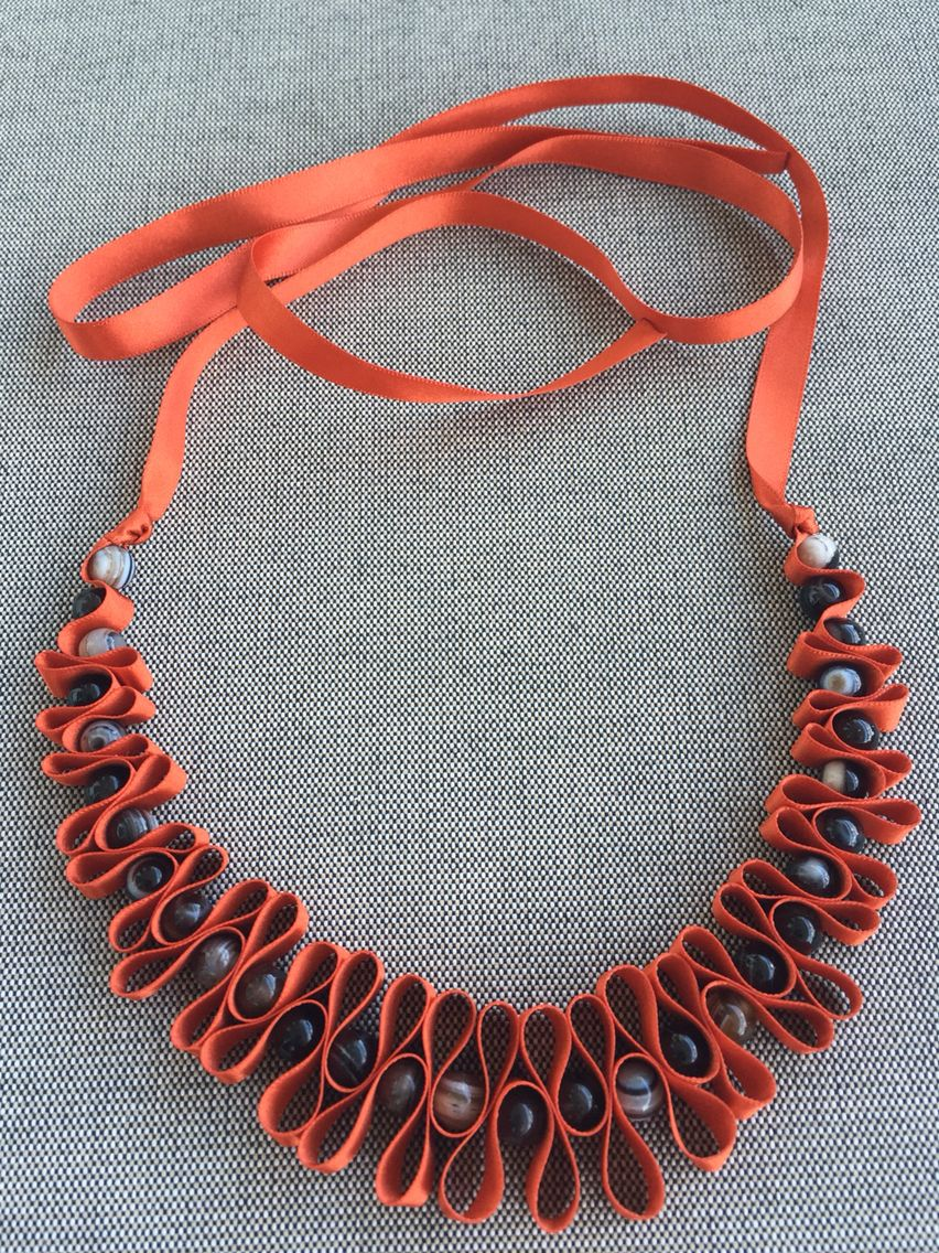 Orange silk ribbon and lace agates necklace.