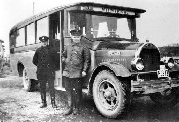 Viinikan Auto Oy:n Linja-auto Soldan 1928.