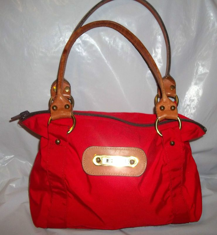 72c1fd3350b8 Davey s purses  ) I had a blue one when I was in school and I really want  to find one for Trinity!!