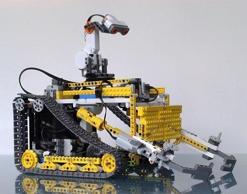 lego robotics robot designs | This cool Lego Wall-E robot uses an ...
