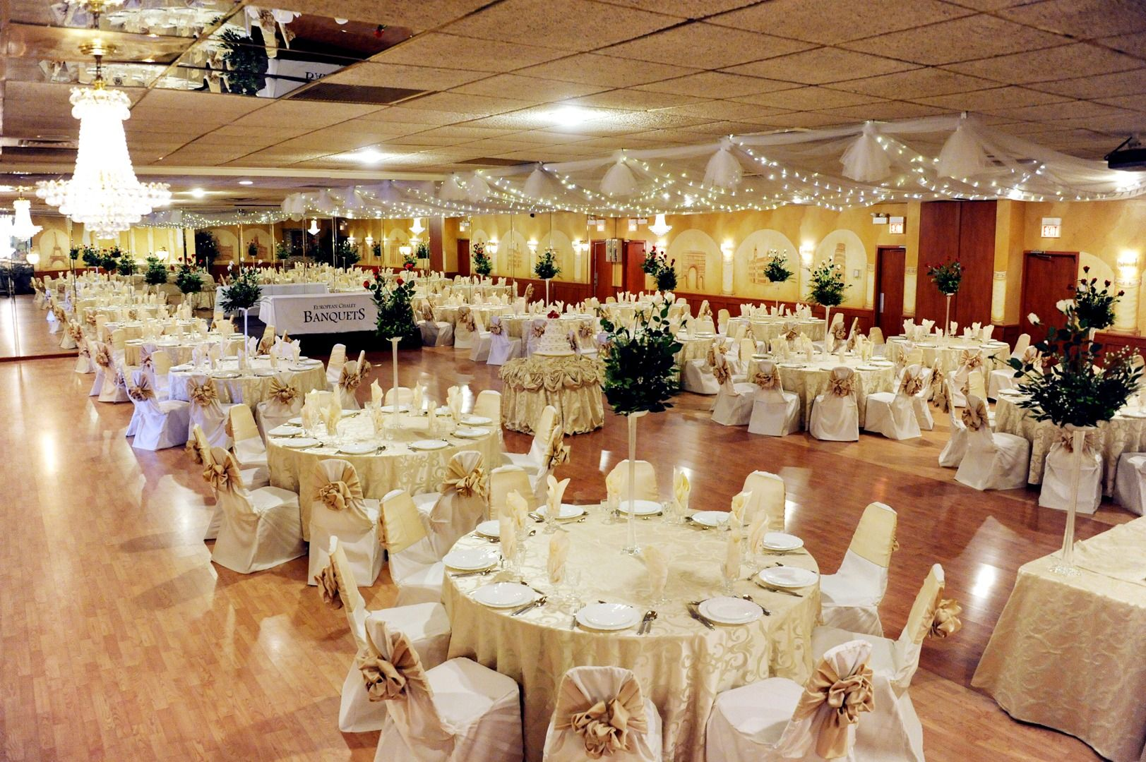 Party Rental Halls Wedding Venues In Chicago Banquet Halls In Chicago Book Venues Online Https Www Evenuebooki Banquet Hall Chicago Wedding Venues Banquet