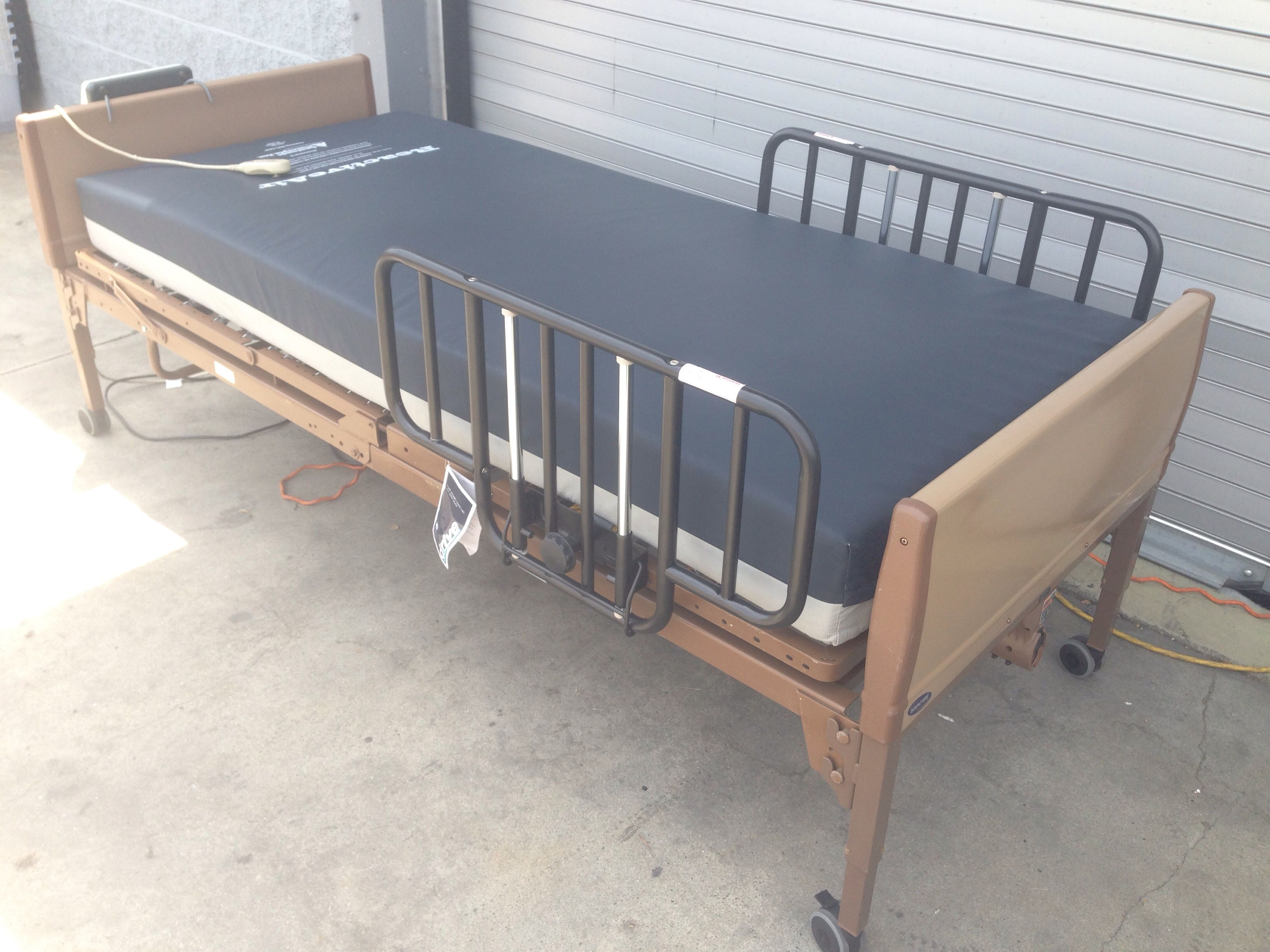 Reactive Air Mattress With Invacare Semi-Electric Bed (Used)