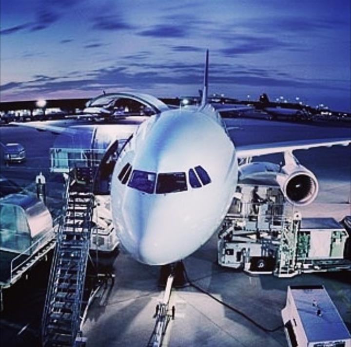 Pin di Tarif Jasa Cargo Bandara Via Pesawat Udara Termurah