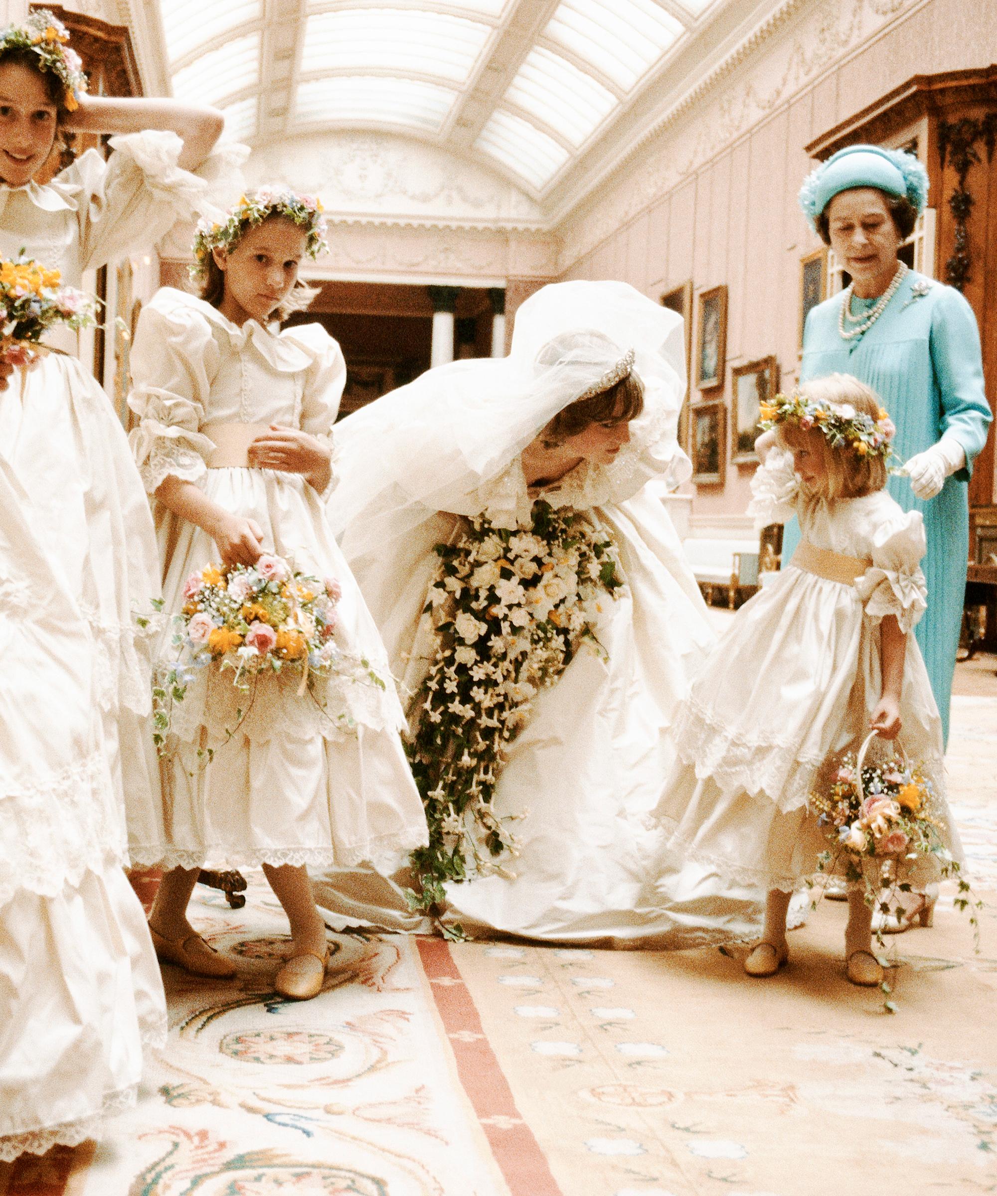 35 Jahre Royal Wedding Die Hochzeit Von Prince Charles Lady Di In Zahlen Refinery29 Http Www Refiner Prinzessin Diana Hochzeit Royale Hochzeiten Lady Di