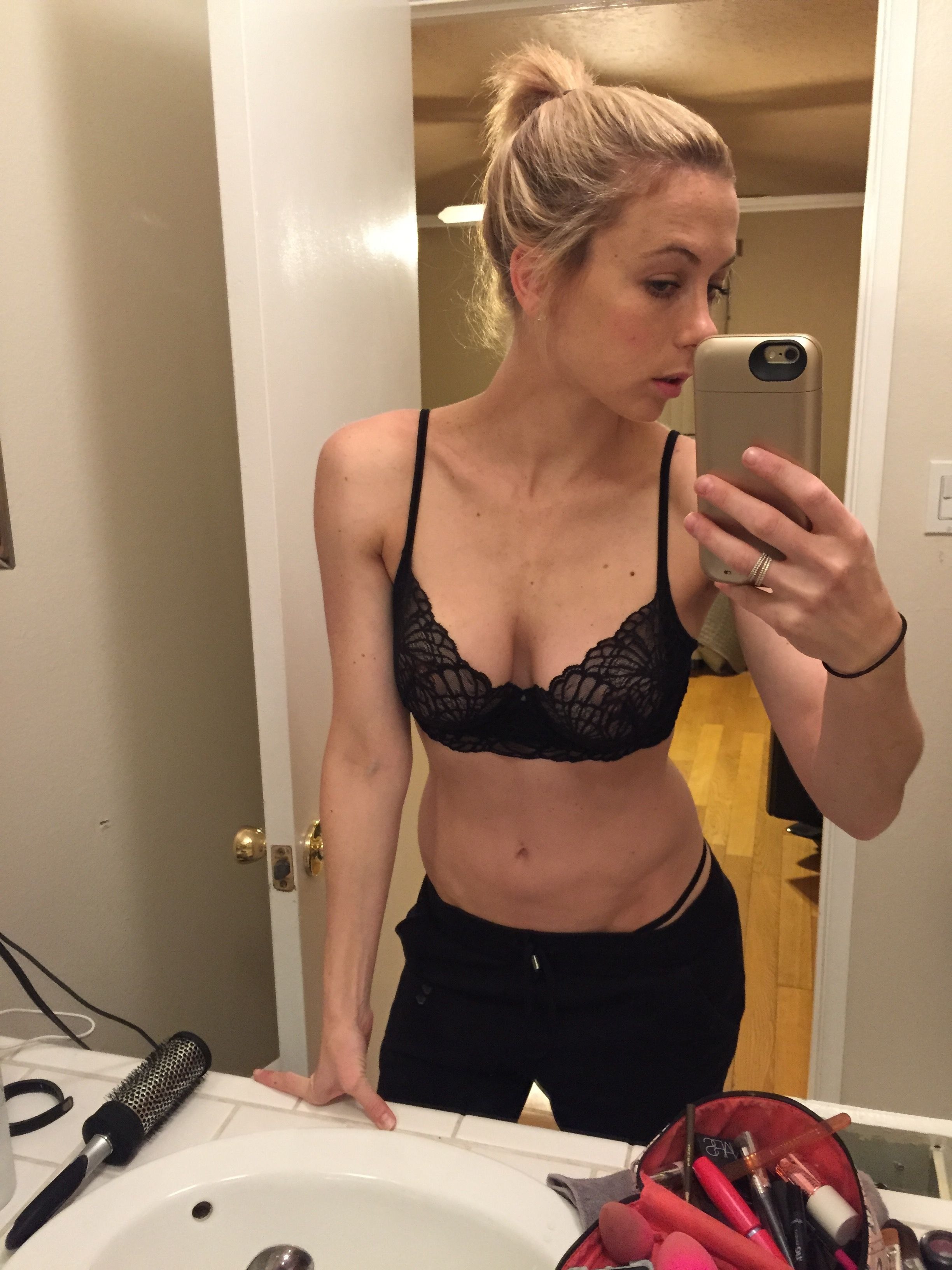 Iliza Shlesinger Sexy Selfie Leaked Beautiful Girls