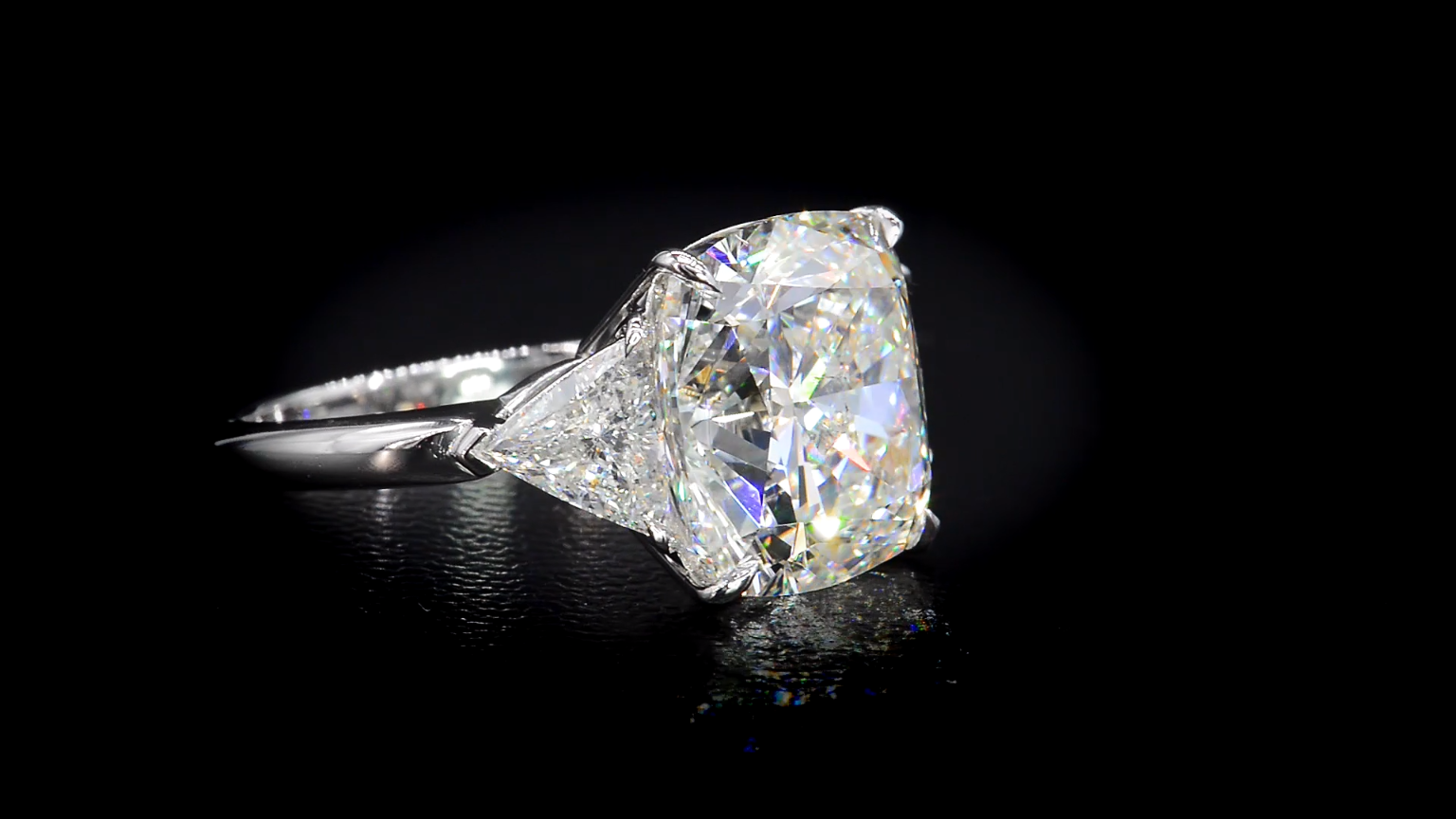 10 Carat Diamond Ring Designed By Bez Ambar The Best Prices For The Best Quality Video Video Diamond Rings Design 10 Carat Diamond Ring Princess Diamond Ring