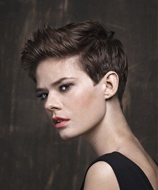 A Short Brown Straight Tomboy Hairstyle By Trevor Sorbie Hair