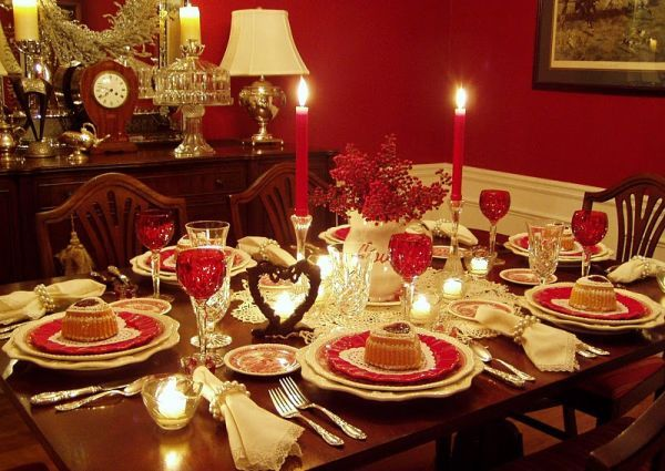 "Still Waters--Notes from a Virginia Shire: ""Valentine's Day Table Decorations"" (Photo from hometone.com)"