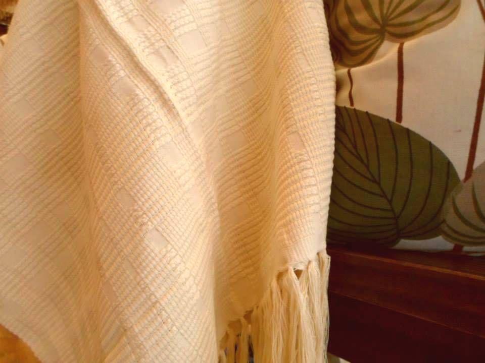 Promoção!!! Xale Sankara 1,30 x 1,80 em fio de algodão penteado e sobreposto. Última peça! - De R$93,00 por R$66,00. Aqui -> http://goo.gl/oytIHV