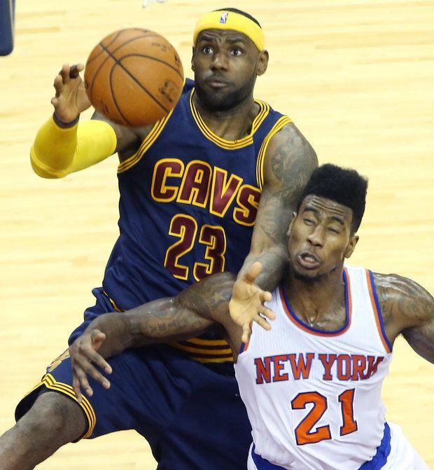 LeBron James and future teammate Iman Shumpert