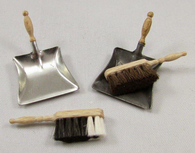 Good Sam Showcase of Miniatures: Dealer Karon Cunningham, England: Spring Cleaning & Storage