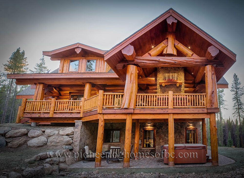 Luxury log cabins pioneer log homes of bc are the best for Luxury log cabin builders