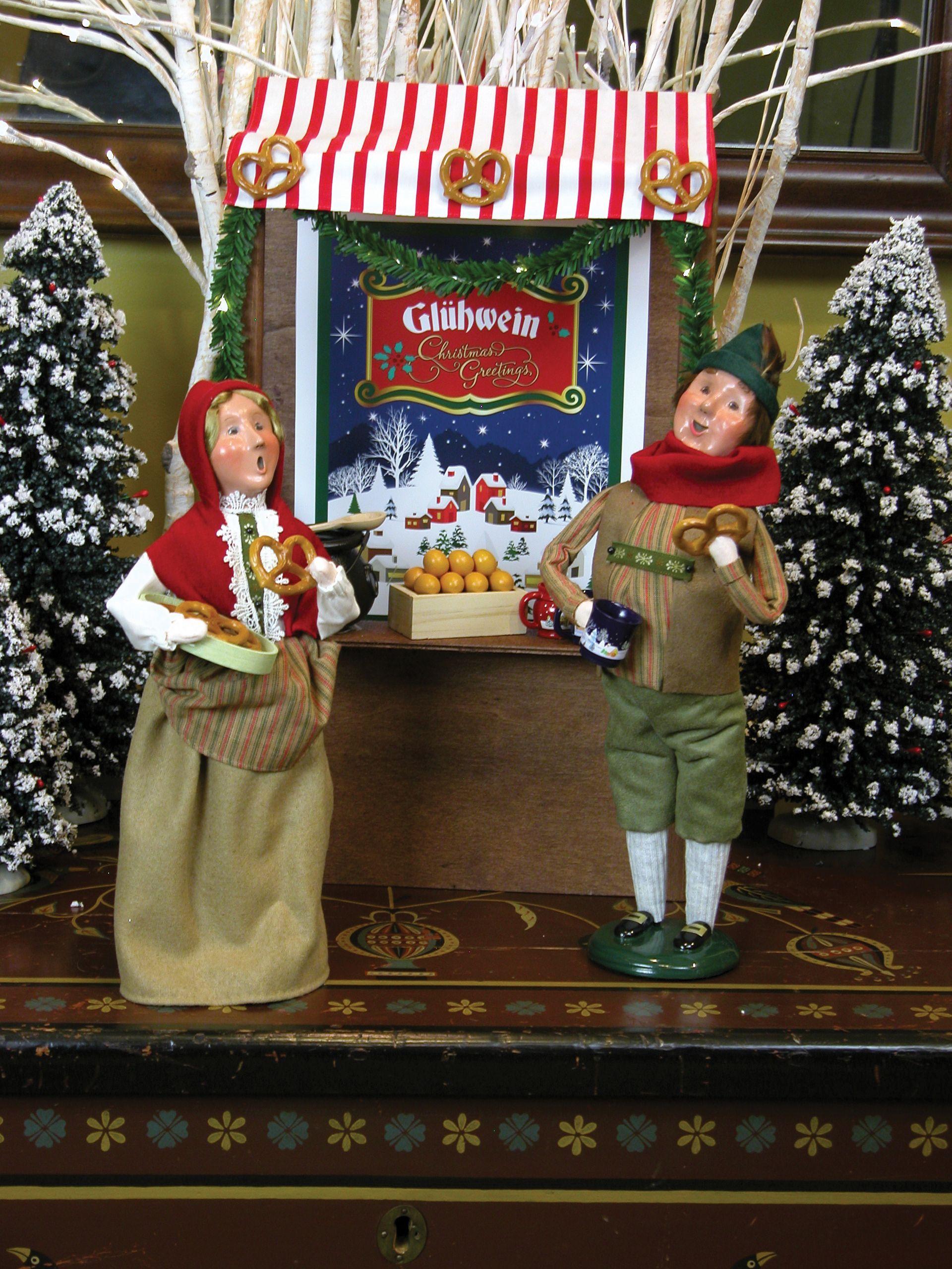 Christmas carolers figurines for sale - Byers Choice Caroler Figurines Bavarian Man Woman Lighted Bavarian Market Stall