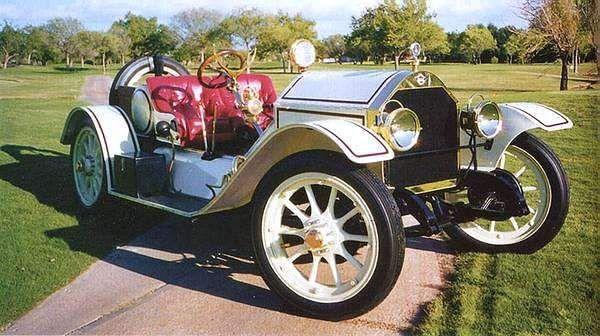 1914 Stutz Bearcat - (Stutz Motor Co. Indianapolis, Indiana 1911-1935)