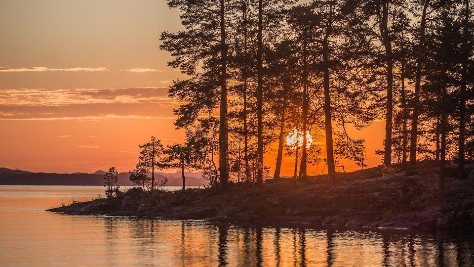 Sunset Time at Kermajärvi, Heinävesi    July 2016   Photo: Jukka Brusila