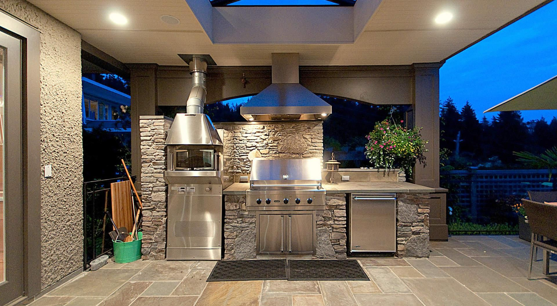 30 Fresh And Modern Outdoor Kitchens Outdoor Kitchen Decor Small Outdoor Kitchens Outdoor Kitchen Design