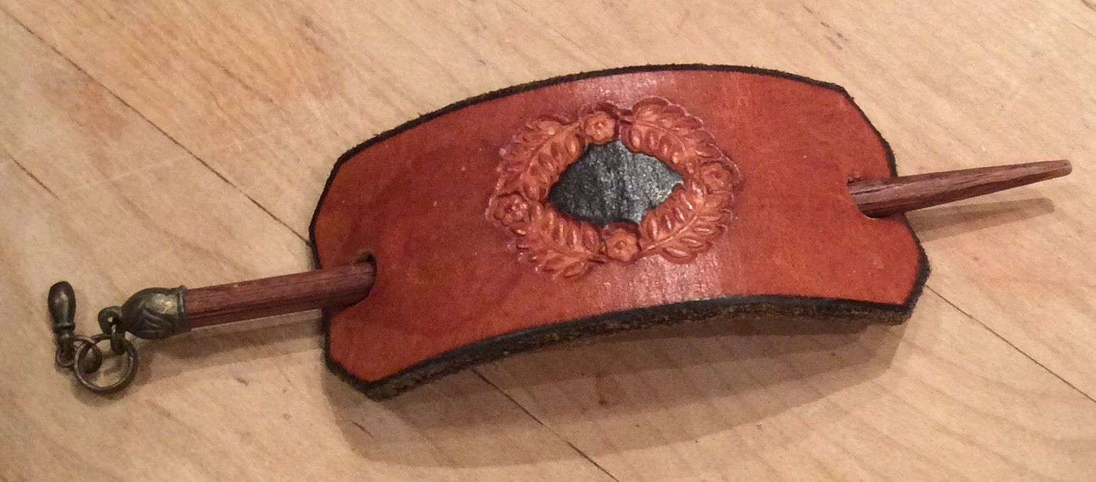 Vintage hair accessory holder - Details About Vintage Tooled Leather Hair Barrette Patch Boho Holder Stick Charm Retro Fashion