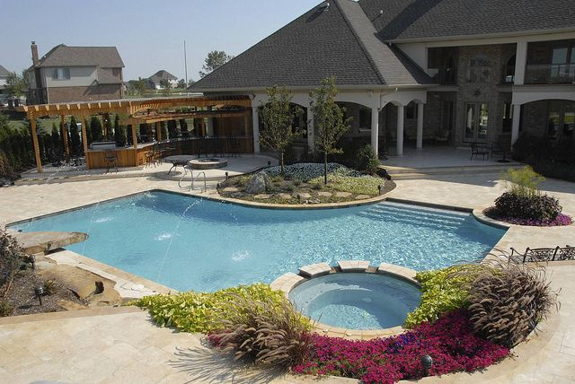 Gunite Custom L Shape Pool With Spa Backyard Pool Landscaping Backyard Pool Pool Patio