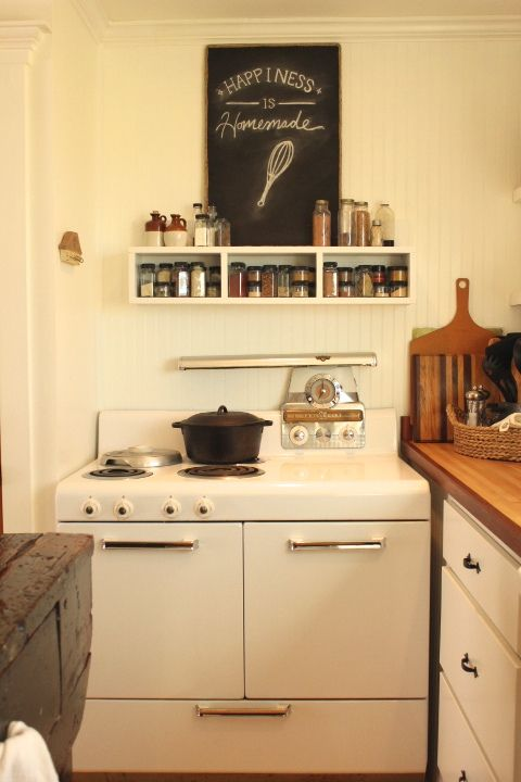 farmhouse kitchen makeover - adding personal touches to your kitchen - rustichoney.com
