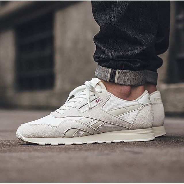 9a899fbf7fce9 reebok classic nylon white on feet