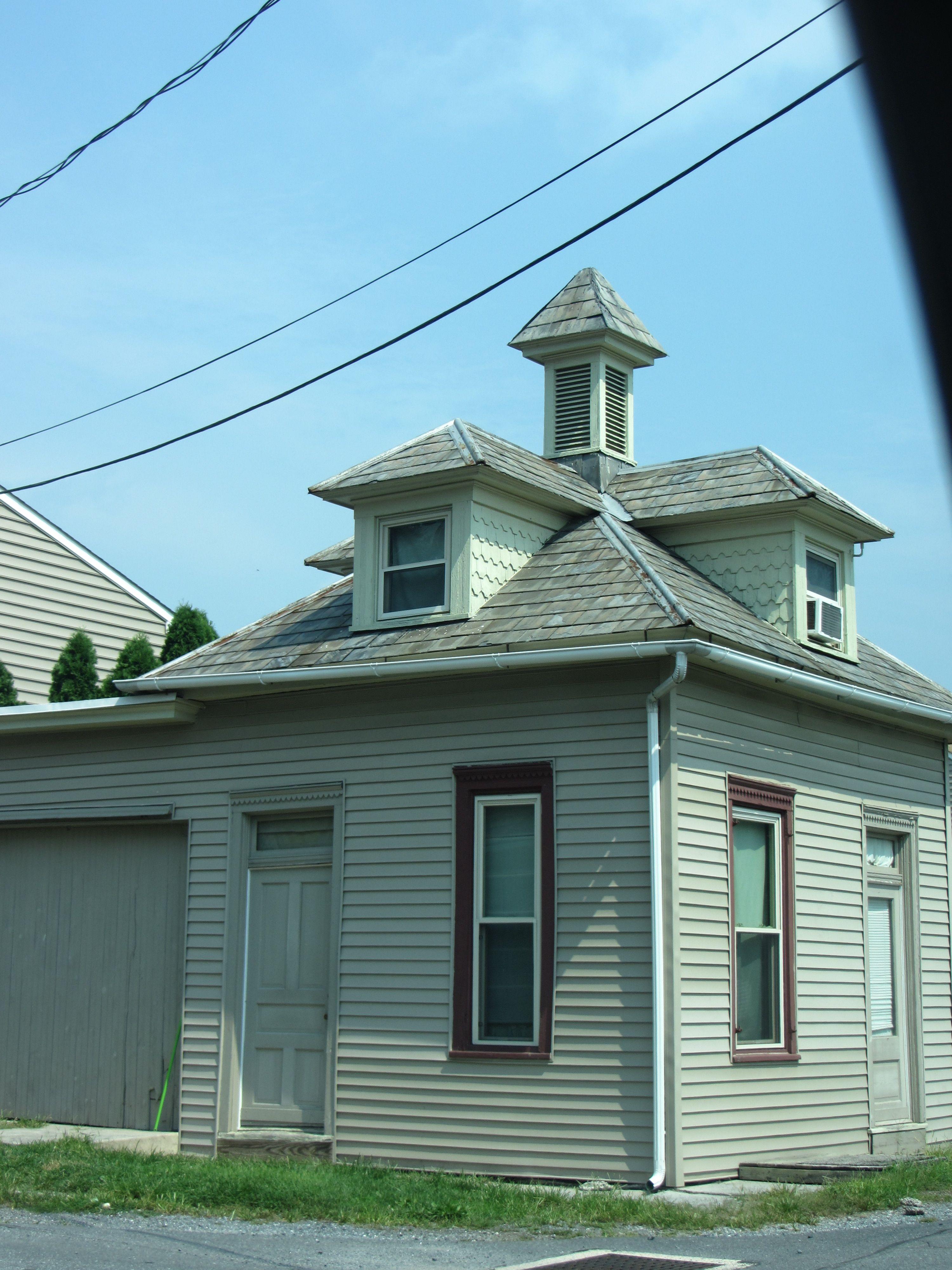 Unique Building In Elizabethtown Pa Old Abandoned Houses Unique Buildings Abandoned Houses