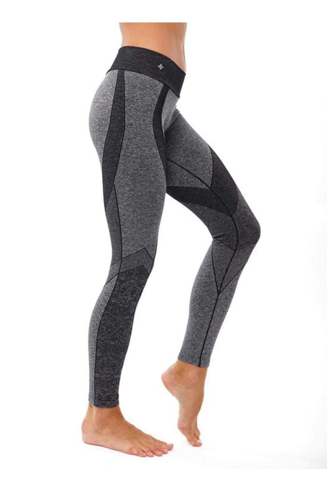 cadafe21d868b These moderate compression leggings are amazing with their seamless design  and jacquard patterns. So much fun and so functional. Wear to yoga, workout  or ...