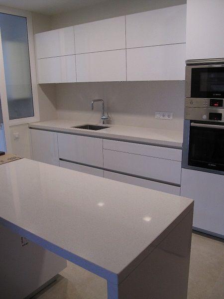 Encimera silestone blanco norte alicante cocinas - Cuanto cuesta una encimera de cocina ...