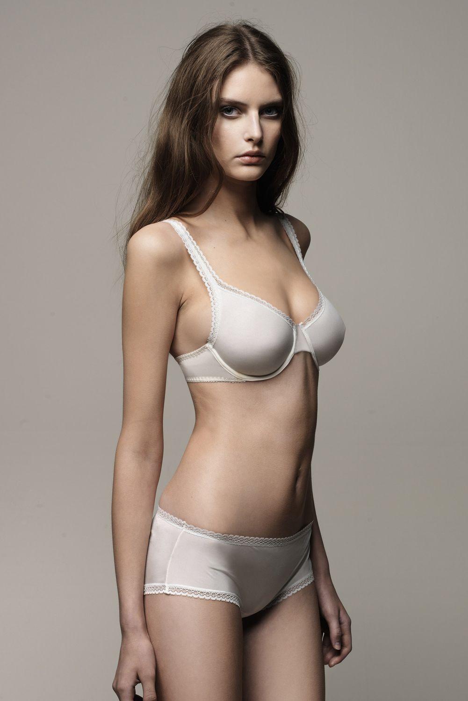 Auguste Nude Black Fashion Model