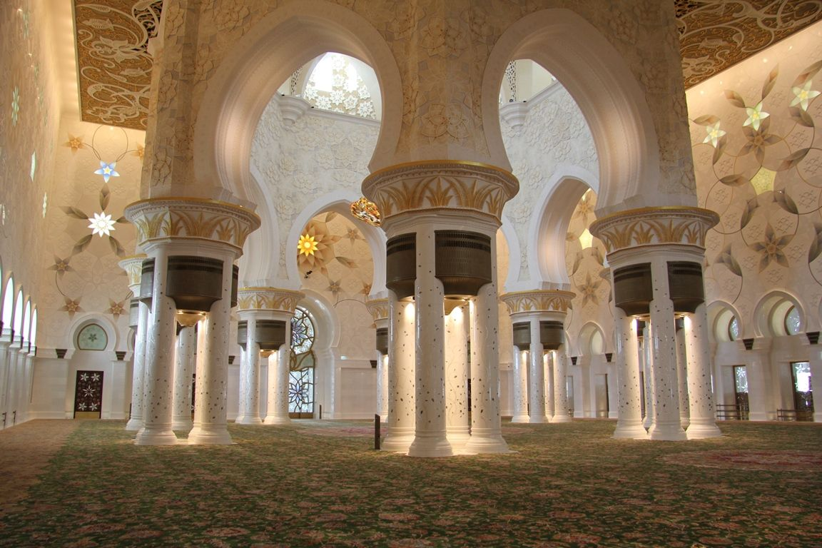 Sheikh Zayed Grand Mosque is the largest mosque in the United Arab Emirates