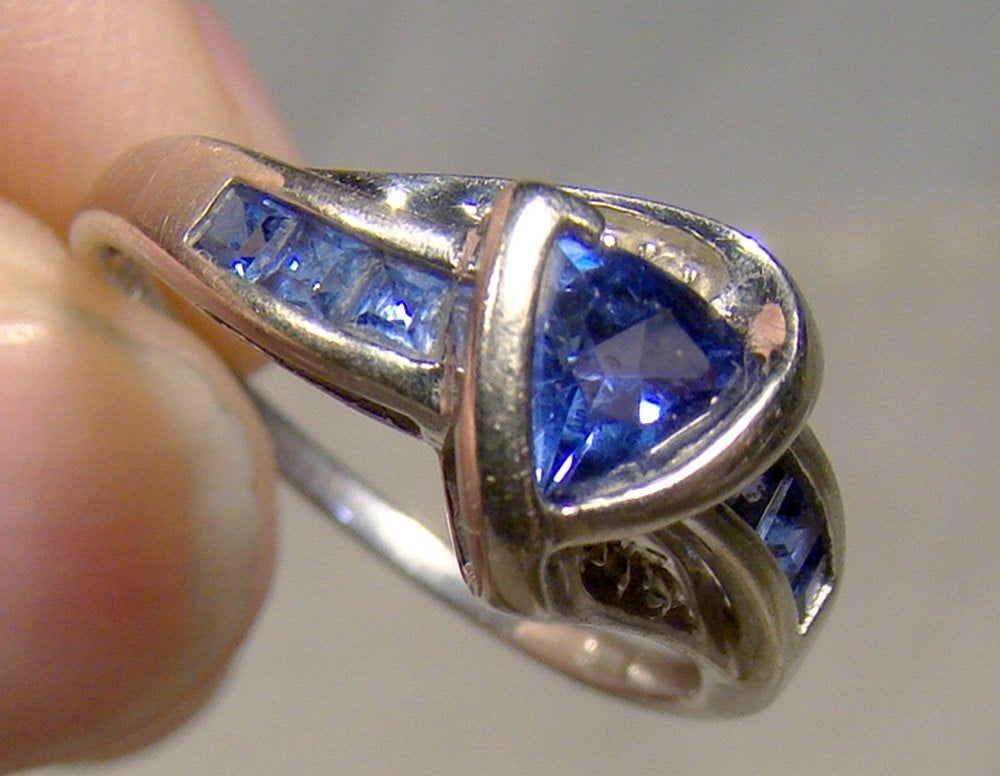 10k Trilliant 6 Square Blue Sapphires With 2 Diamonds Ring Etsy In 2020 Blue Sapphire Rings White Gold Rings Blue Sapphire