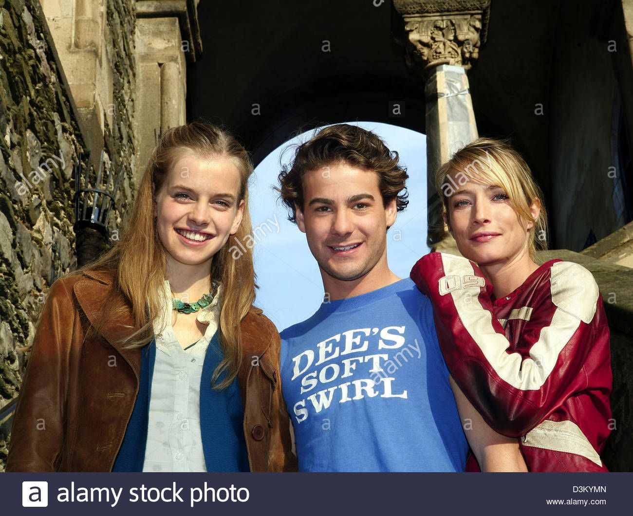 Florentine Lahme dpa) - (from l) actors jennifer higham, charlie hollway and