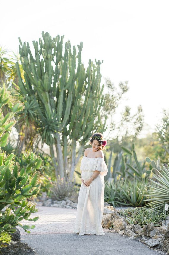 b0380b21ab805 Modern mexican-inspired maternity photos | Baby Bump in 2019 ...