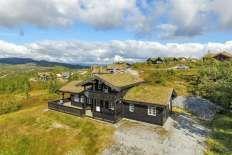 FINN – Høgevarde - Innholdsrik familiehytte med sjeldent god beliggenhet. Nydelig utsikt, gode solforhold og meget romslig tomt