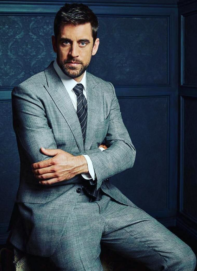 Aaron Rodgers Birthday Real Name Family Age Weight Height Girlfriend S Bio More Aaron Rodgers American Football Players American Football