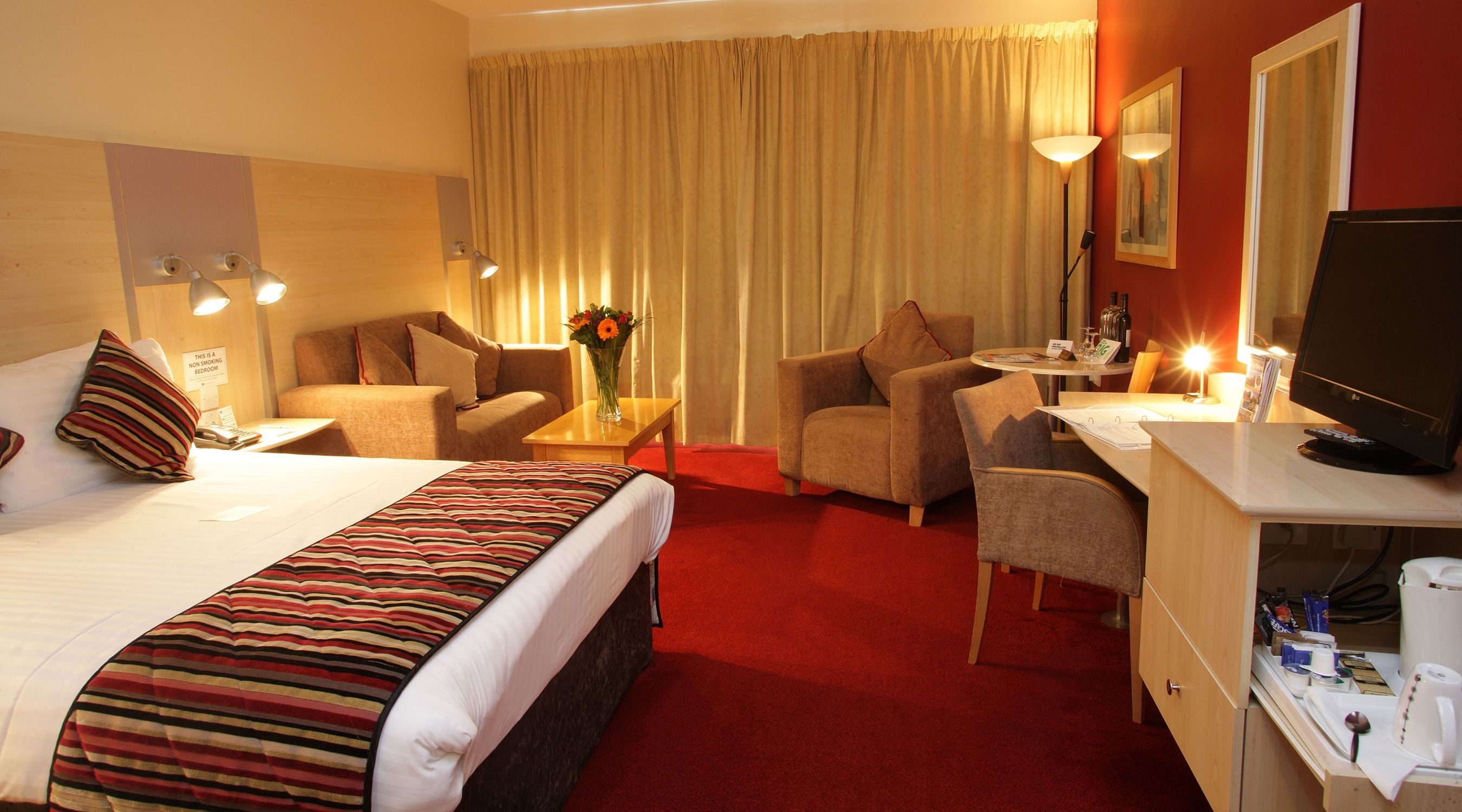 Club Executive Rooms 1 Double Bed Plus Living Area Stylish Room Executive Room Large Bedroom