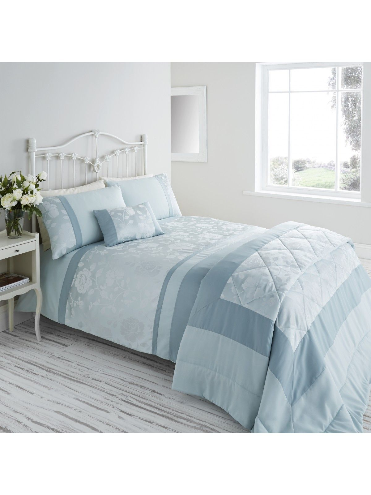 Add Clical Elegance To Your Home With Our Ponden Range Penelope Jacquard Panel Duvet Set Has Comb