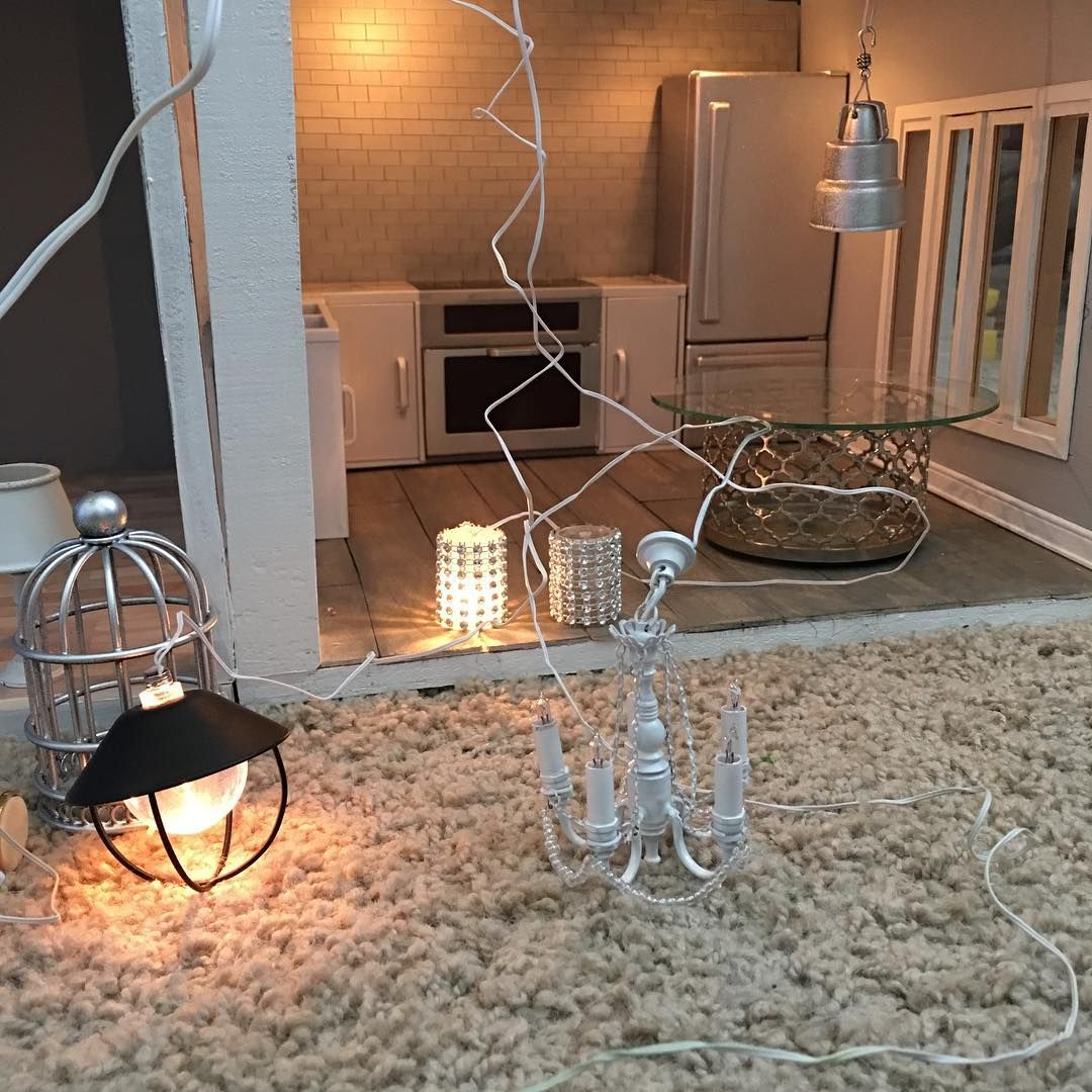 A few Instagram members have asked me about lighting and wiring for a  dollhouse. I