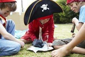 Boys playing pirates together - Alistair Berg/Digital Vision/Getty Images