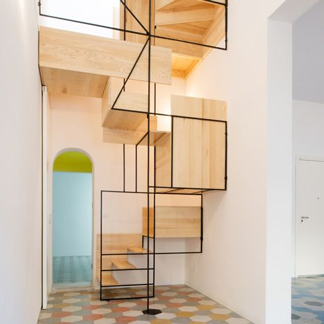 Best Sculptural Staircase Connects Two Mosaic Floors In An Old 400 x 300