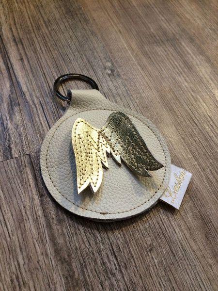 Schlüsselanhänger - Schlüsselanhänger mit Engelsflügeln - ein Designerstück von Liesken-Roth bei DaWanda #weihnachtsmarktideenverkauf